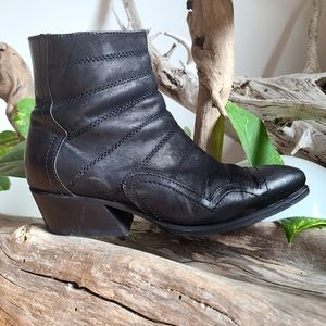 John Fluevog Presley Idols Black Rock n Roll 70s Leather Black Ankle Boot Sz 7